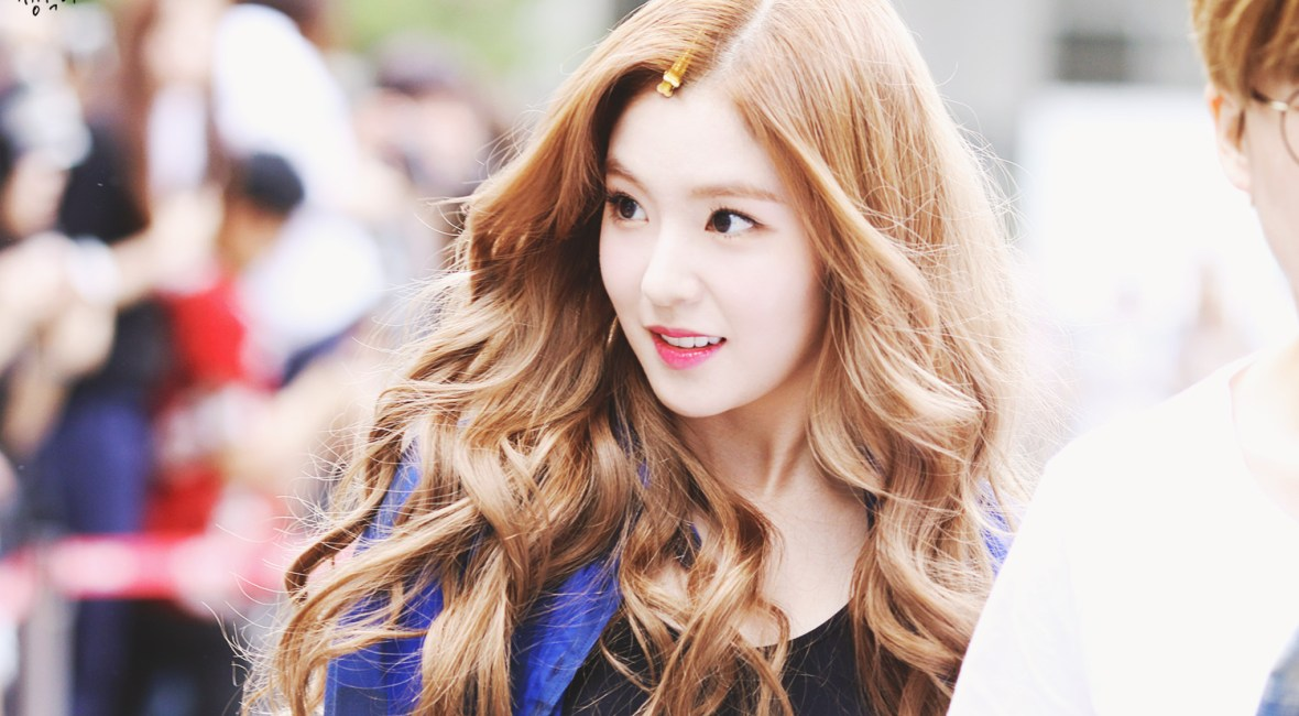 korea korean kpop idol girl band group red velvet irene's wavy hair brown curly waves hairstyles for girls kpopstuff
