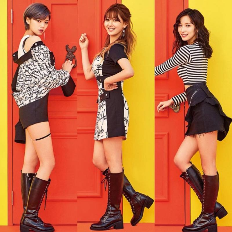 korea korean kpop idol girl group band twice's 'knock knock' fashion jeungyeon jihyo mina teaser black&white punk schoolgirl outfit style for girls kpopstuff