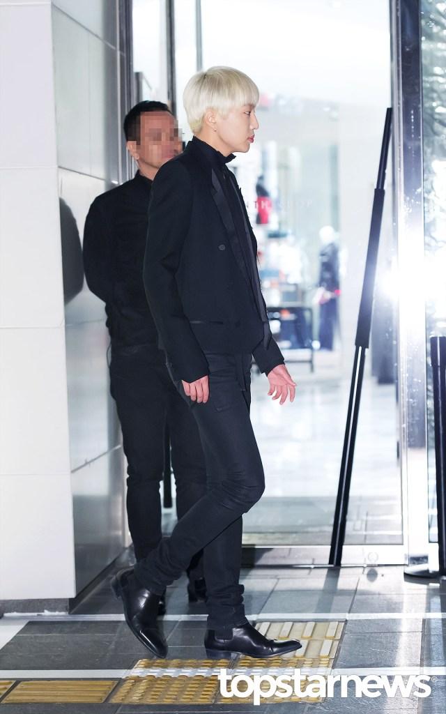 korea korean drama kdrama actor kpop idol winner mino and seungyoon at saint laurent event black formal outfits jeans blazer fashion guys men kpopstuff