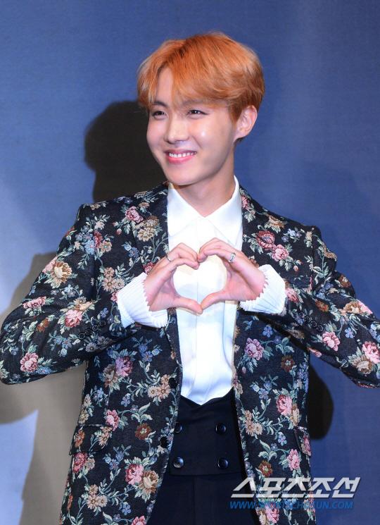 korea korean kpop idol boy band group BTS blood, sweat, tears printed suits jhope multi color flower pattern formal suit jacket fashion style guys kpopstuff