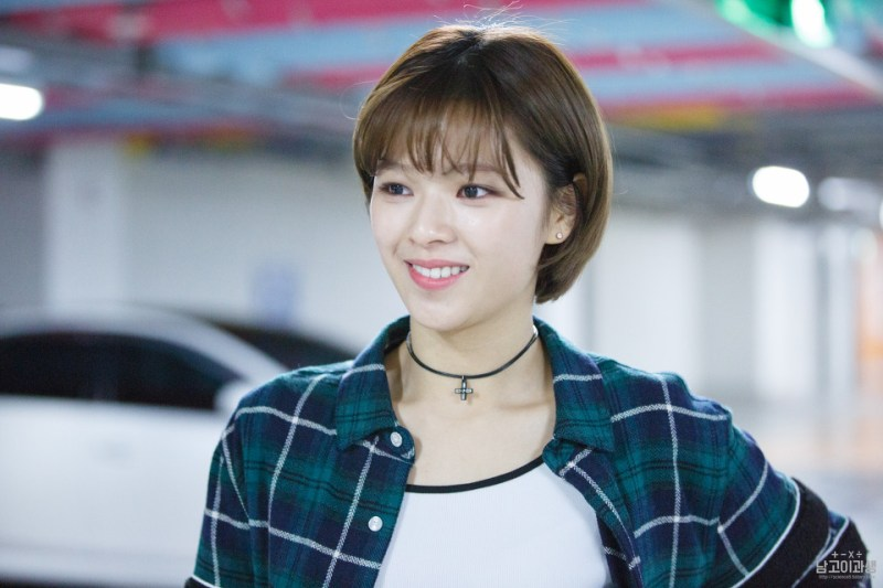 korea korean kpop idol girl band group twice jungyeon's short pixie cut haircut shortcut bob grown out hairstyles for girls kpopstuff