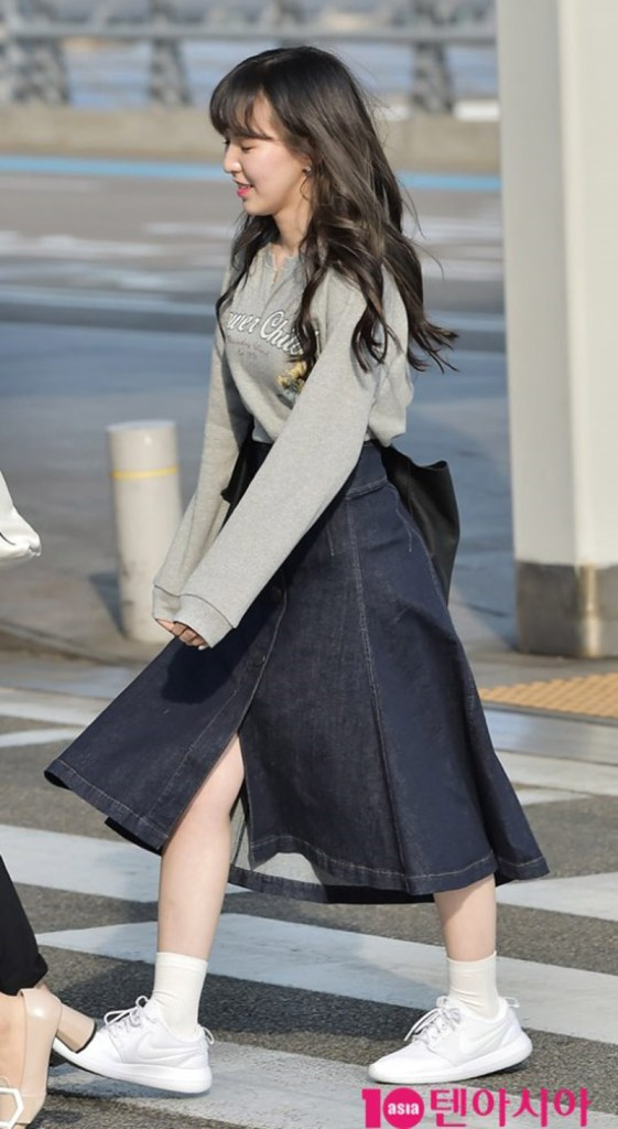 korea korean kpop idol girl group band red velvet wendy's airport fashion the denim skirt white nike grey sweater outfit looks for girls kpopstuff ma
