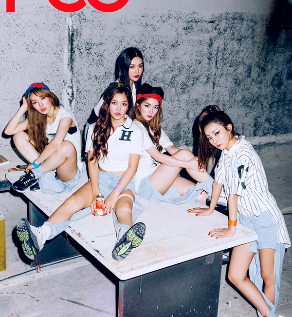 korea korean kpop idol girl group band red velvet's jeans from dumb dumb destroyed ripped denim boyfriend jeans fashion outfit looks for girls kpopstuff