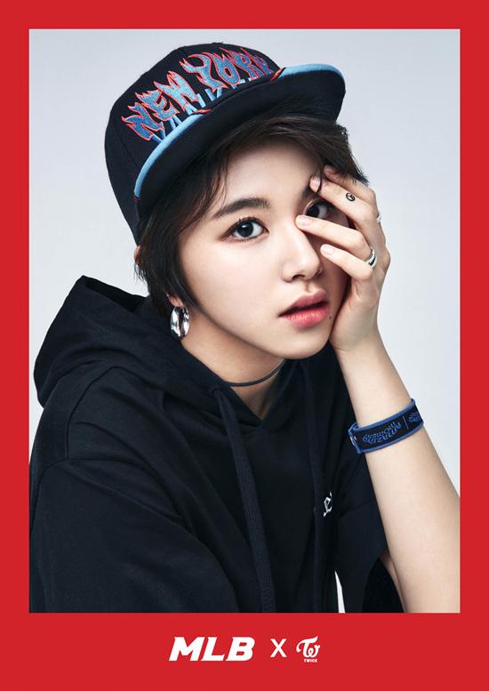 korea korean kpop idol girl group band twice's sporty looks chaeyoung black short hair new york blue black mlb cap boyish streetwear fashion girls kpopstuff
