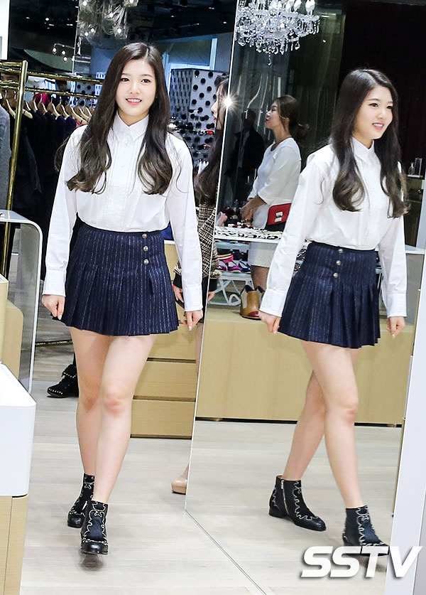 Red Velvet 39 S Skirt Fashion Looks Kpop Korean Hair And Style