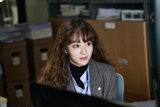 korea korean drama kdrama chief kim actress jung hye sung sulli's hippie perm looks curly wavy hairstyles girls women kpopstuff