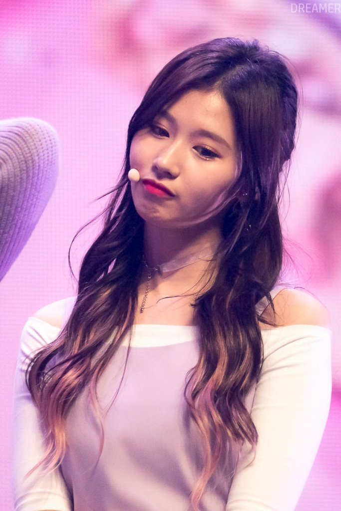 korea korean kpop idol girl group band twice sana's purple hair violet hair dye two tone dip dye hairstyles girls kpopstuff