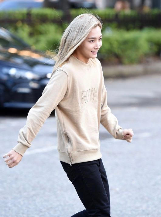 Seventeen Jeonghan S Long Hair Colors Kpop Korean Hair