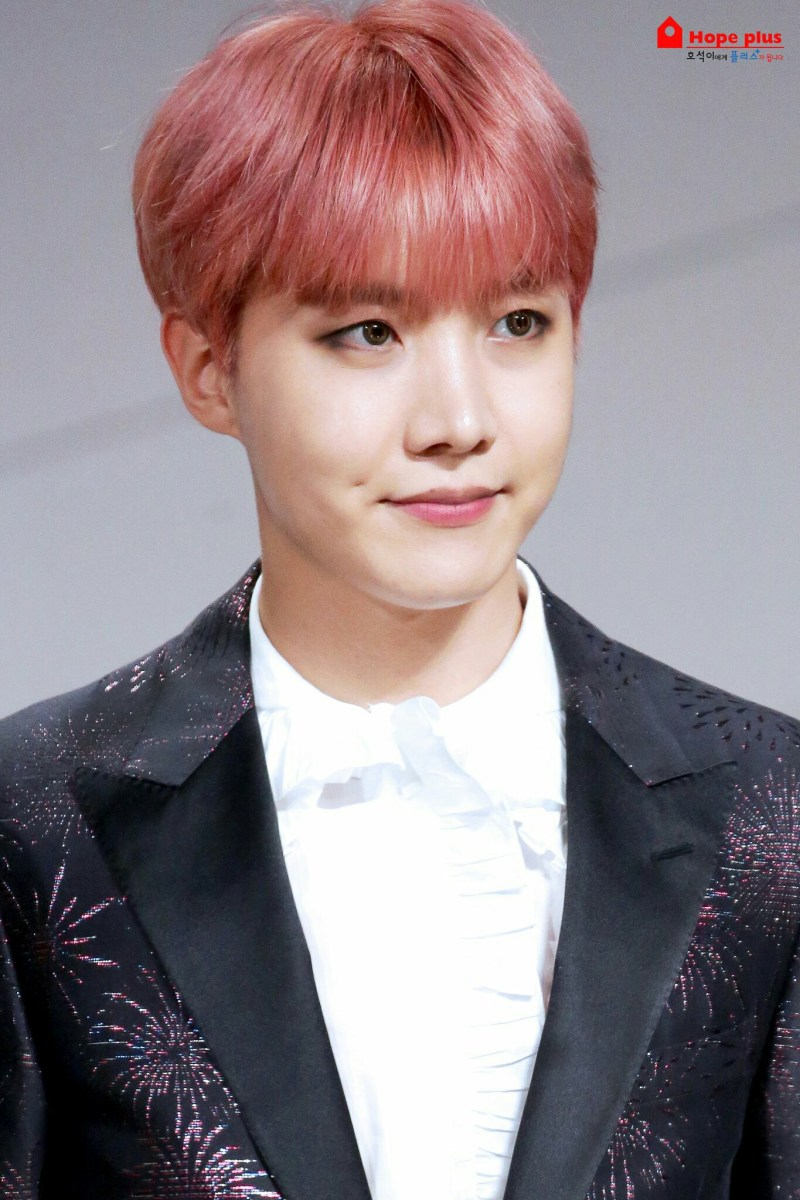 This Hair Color On J Hope Looks Relatively Similar To Jins And Sugas Pink Dyes Doesnt Really Have Much Of A Milky Tint His Though