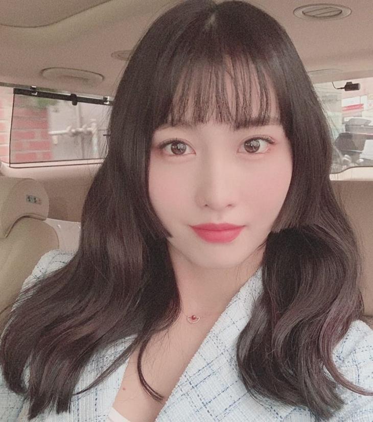 Twice momo hime cut Korean Kpop idol hairstyle haircut korean