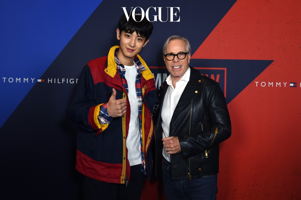 kpop korean boy band group exo chanyeol's tommy hilfiger fashion best dressed 2017 fall show with designer tommy hilfiger mens guys fashion style casual jacket plaid