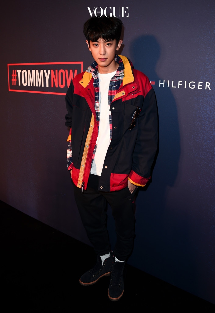 kpop korean boy band group exo chanyeol's tommy hilfiger fashion best dressed at 2017 fall show casual style mens guys fashion main