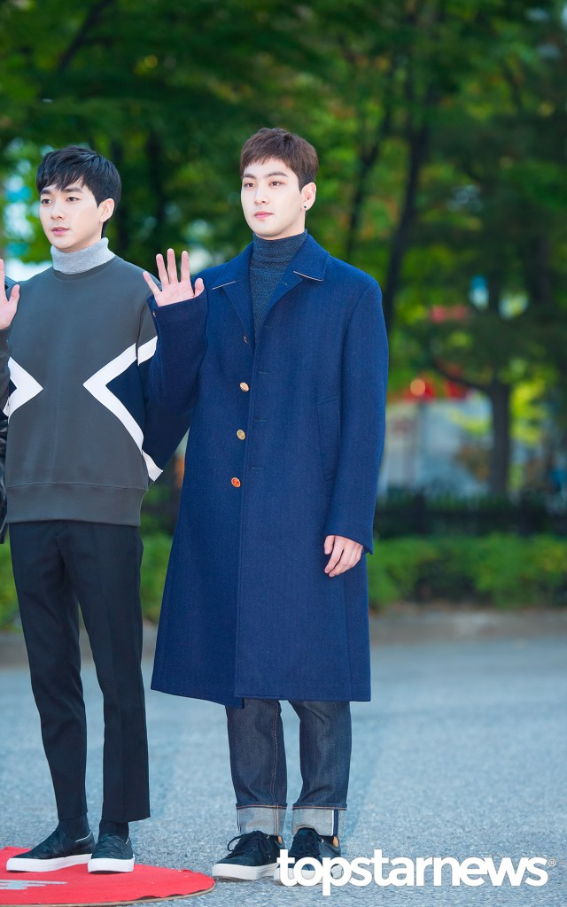 korea korean kpop idol boy band group nuest w's fashion for music bank appearance baekho oversized coat casual outfit looks for guys men kpopstuff