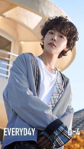 korea korean kpop idol winner winner's everyday jinwoo flannel plaid pattered style outfits looks guys men kpopstuff