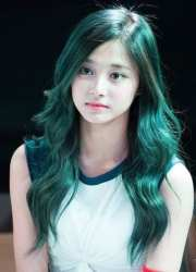 rocks green hair kpop female