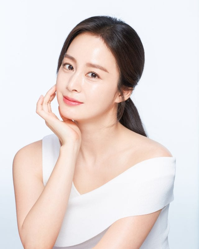 Kim Tae Hee Continues To Have A Busy Schedule Even While