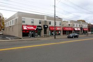 215-219 Main Street West Side Plaza