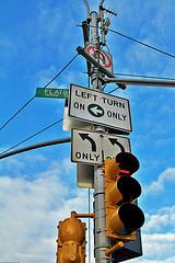 Left turn on left only / 20091201.7D.00879.P1....