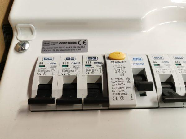 Virsapmetuma Elektroinstalācijas kārba 100A 3
