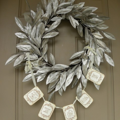 "I bought this garland from ""Seasonal Delights"" shop on Etsy. She does amazing work."