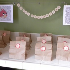Goodie bags with Angry Birds rubberstamp.