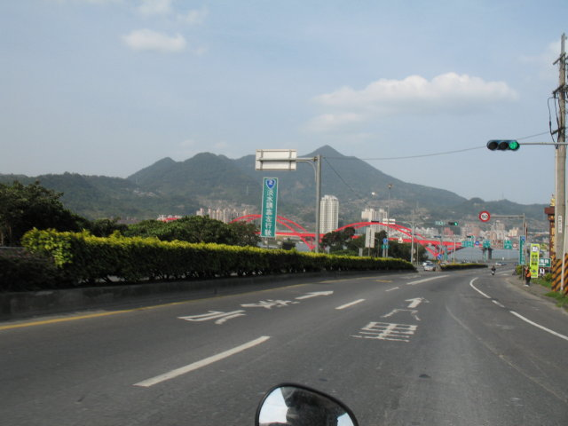 Most spojující Pa-li a Tamshui