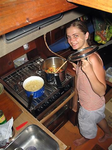 Kuchař představuje svůj výtvor