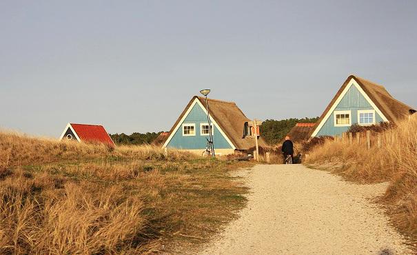 Vlieland obydlený útulnými domečky.