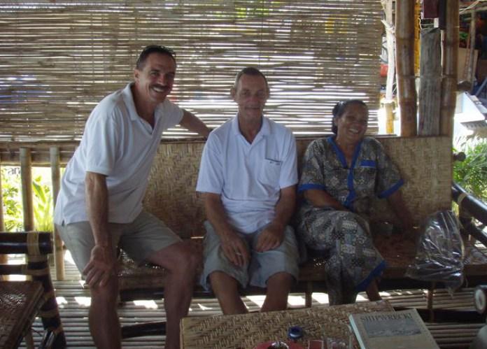 Mark, John a Cissy (zleva).