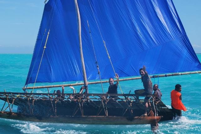 Neuvěřitelný zážitek plavby na katamaránu.