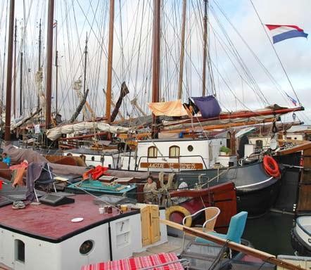 Některé přístavy jsou podobných klasických lodí plné