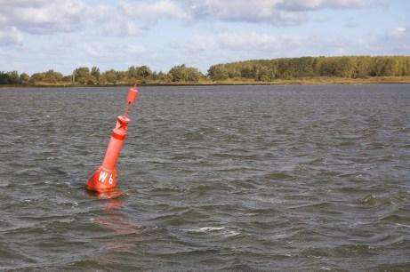 Laterál v laguně Rujány – za ním hloubka 0,7 m