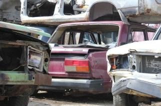Куда увозят брошенные автомобили