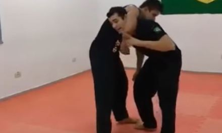 How to escape from a guillotine choke