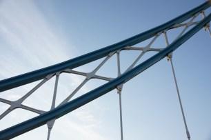 Geländer der Tower Bridge
