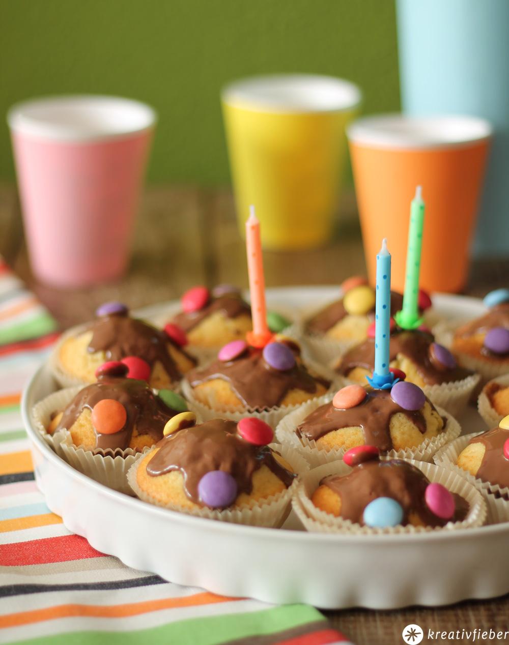 Smarties Kuchen  Kindergeburtstag Rezept  schnell backen
