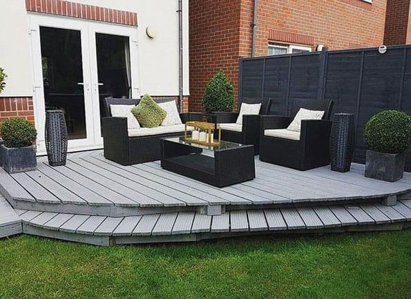 Einzeln platzierte Pflanzkübel bereichern deine Terrasse - kreativLISTE
