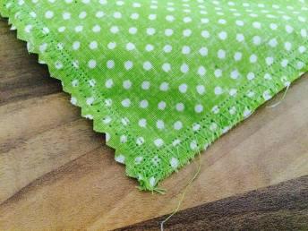 Takto by měly vypadat vaše stehy na konci šití