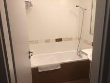 Nadstandardně vybavená koupelna s vanou