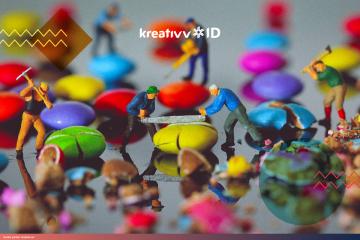 Membuat Diorama Super Keren lewat Miniature Photography