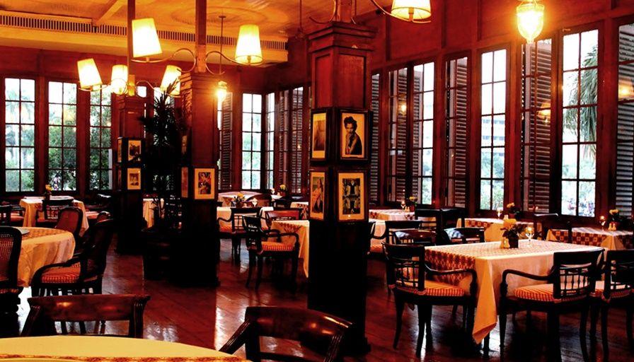 cafe batavia jakarta restoran tertua
