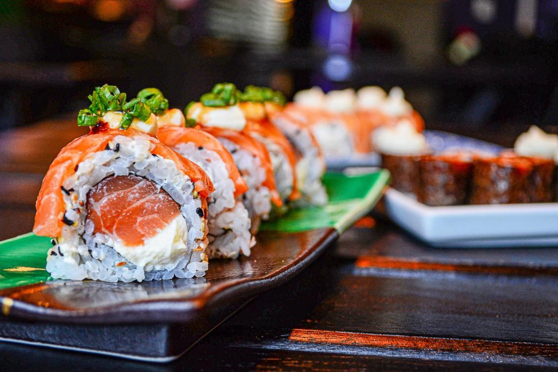 sushi makanan jepang