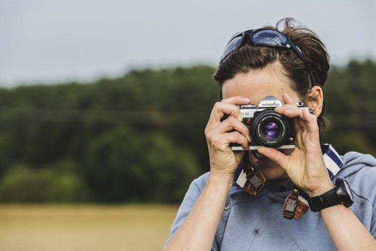 memotren dengan kamera analog