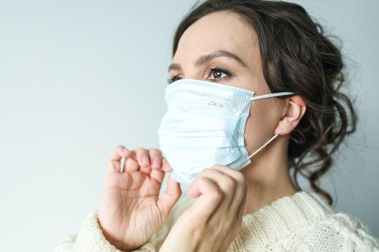 mengganti masker