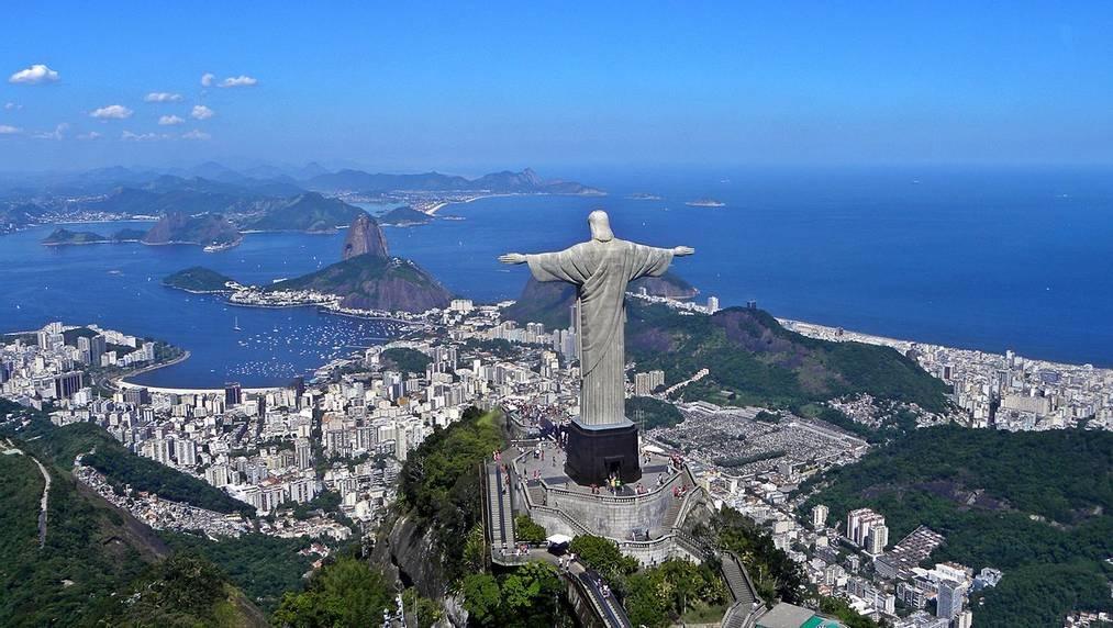Christ-the-Redeemer-di-Brazilia-Wikimedia