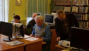 seniorzy-kurs-komputerowy