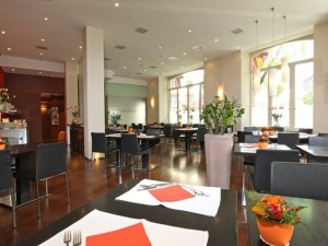 Waldstätterhof restaurant tables