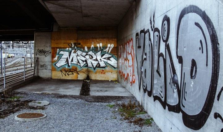 Graffiti below the Langensand bridge