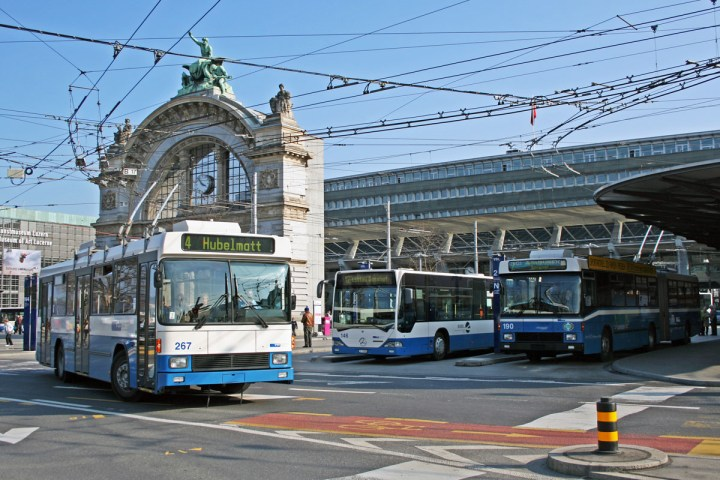 Buses in front of the Lucerne main station