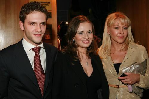 Константин Крюков биография личная жизнь семья жена дети  фото